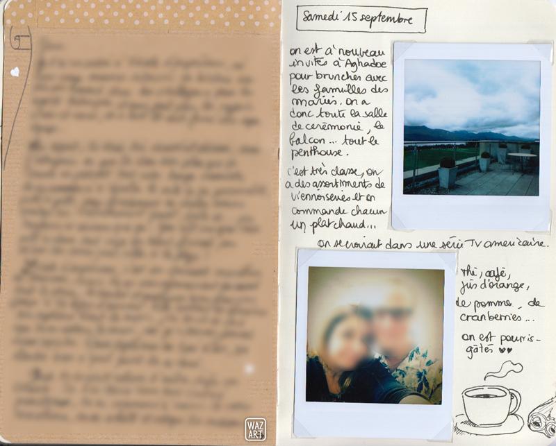 à gauche, une feuille de papier kraft floutée, à droite des photos et du texte