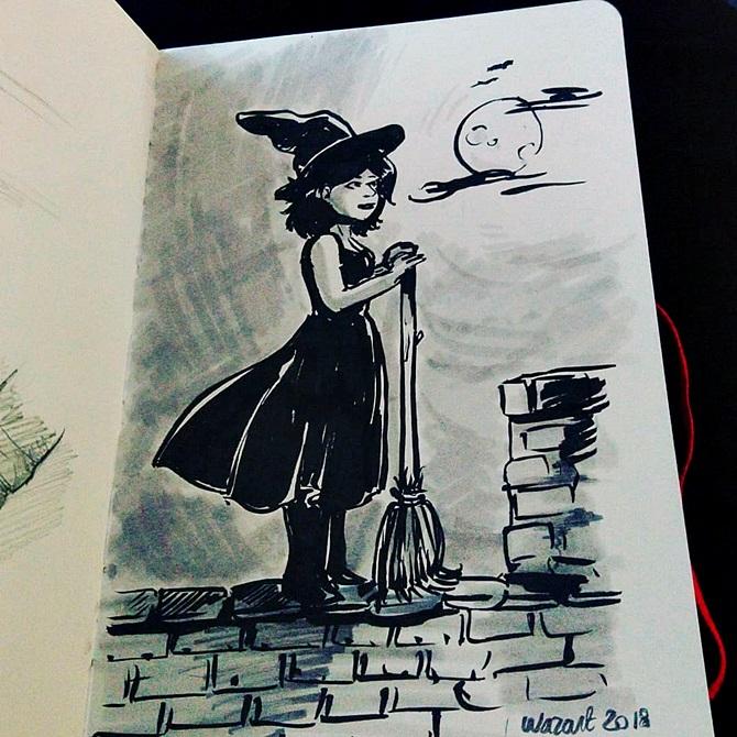 dessin au Pentel noir et feutres gris d'une sorcière qui regarde au loin debout sur un toit, balai à la main avec la lune en arrière-plan