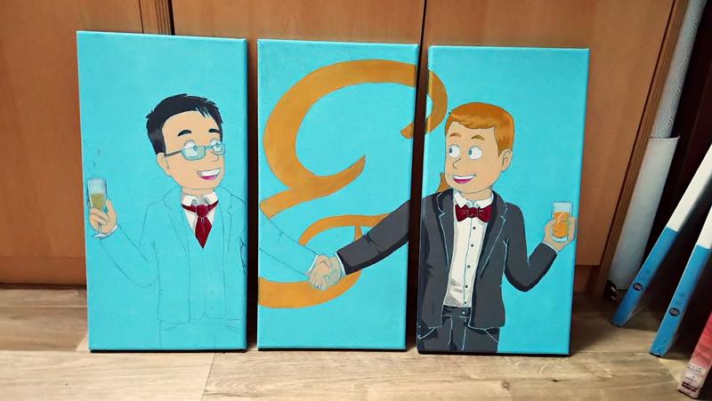 photo des toiles avec un début d'aplats de couleur pour Patrick et & en peinture dorée